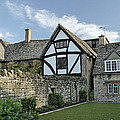 Stone Cottages In Broadway - Gloucestershire by Rod Johnson