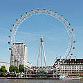 The Millennium Wheel And Thames by Richard Newstead
