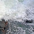 Tidal Surge At Thunder Hole by Lynda Lehmann