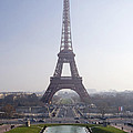 Tour Eiffel by Rod Jones