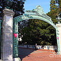 Uc Berkeley . Sproul Plaza . Sather Gate . 7d10039 by Wingsdomain Art and Photography