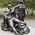 Vietnam Women's Memorial by Guy Whiteley