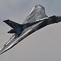 Vulcan Xh558 by Tim Croton