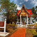 Wat Kham Chanot by Adrian Evans