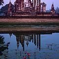 Wat Mahathat Sukothai by Thomas  von Aesch