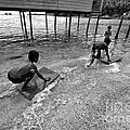 Water Skat by Gary Bridger