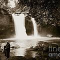Waterfall by Chatchai Piansangsan