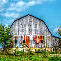 Weathered Barn by Peggy Franz