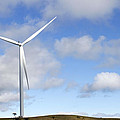 Wind Turbine  by Les Cunliffe