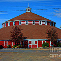 Worlds Largest Barn by Tommy Anderson