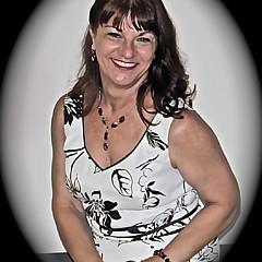 Linda Bianic - Artist