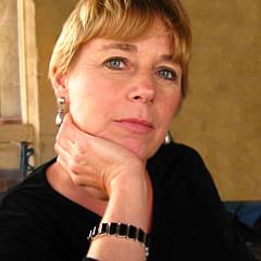 Linda Henry - Artist