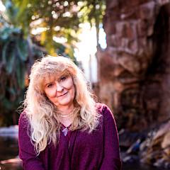Linda Gilmore - Artist