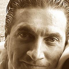 Ricardo Alves - Artist