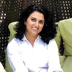 Aarti Bartake - Artist