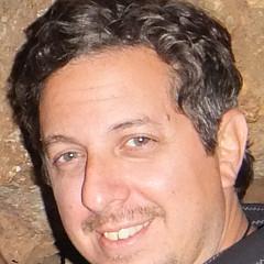 Artist Alfredo Dane Llana