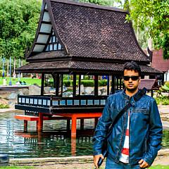 Ali Hussain - Artist