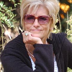 Debi Boucher - Artist