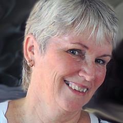 Anne Huth - Artist