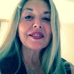 Laurie Lundquist - Artist