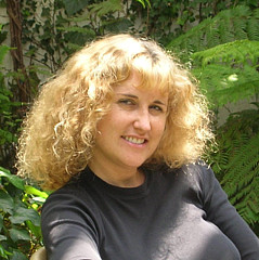 Luisa Millicent - Artist