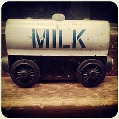 Milk R - Artist
