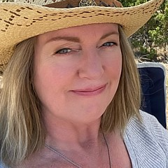 Pam Colander - Artist