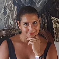 Rebecca Flores - Artist