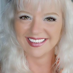 Sharon Mau - Artist