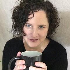 Tara Arnold - Artist