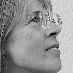 Vera Komnig - Artist