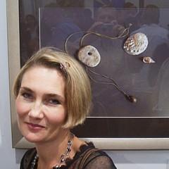 Elena Kolotusha - Artist