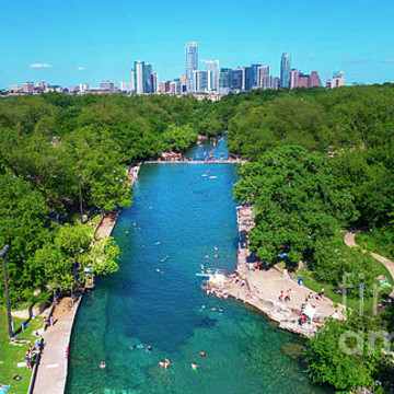 Barton Springs Swimming Pool - Zilker Park natural limestone spring pool - Photo Image Gallery