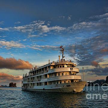 Au Co Luxury Cruise Ha Long Bay  Collection