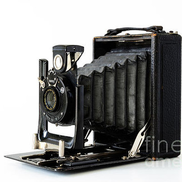 Classic Cameras and Photographic Equipmen Collection