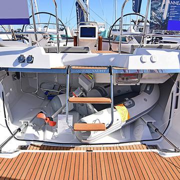 Jeanneau 58 A Sailing Yacht Collection