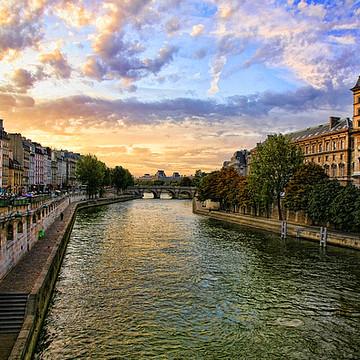 Paris 360 Collection