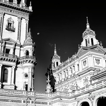 Seville - Black and White Collection