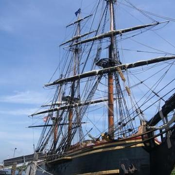 The HMS BOUNTY Ship Collection