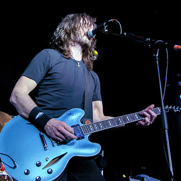 UK Foo Fighters live at THE STAGE Collection