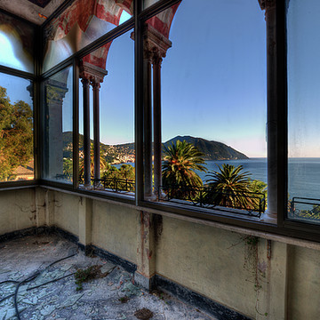 VILLA OF WINDOWS ON THE SEA - VILLA DELLE FINESTRE sul MARE Collection