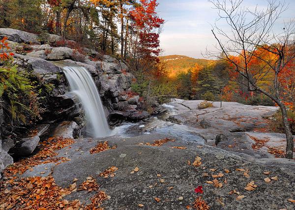 Stephen  Vecchiotti - Waterfall In Autumn