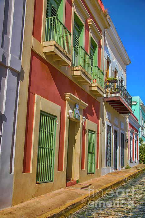 Mariola Bitner - A Stroll through San Juan