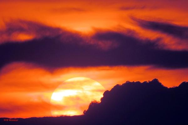 B Vesseur - An Urban Sunset