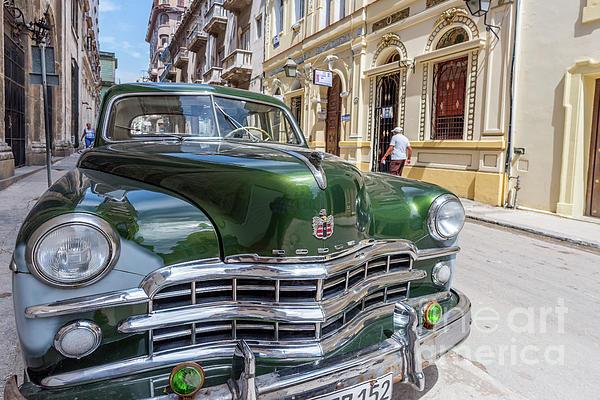 Viktor Birkus - Classic car on the streets of Havana 1