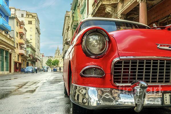 Viktor Birkus - Classic car on the streets of Havana 2