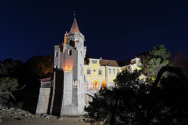 Georgia Mizuleva - Extraordinary Mansion -