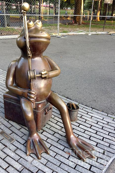 Gina Sullivan - Fishing Frog in Bronze At The Boston Common Frog Pond