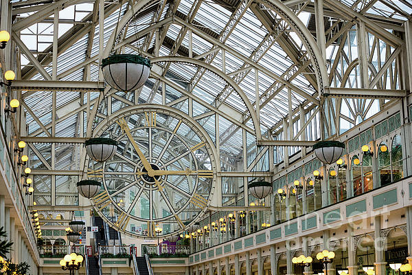 Les Palenik - Five To Three - at St. Stephens Green Shopping Centre in Dublin