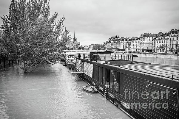 Liesl Walsh - Flooded Walkway At Seine River, Paris, Blk Wht